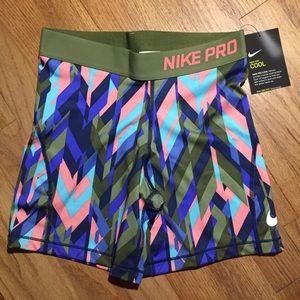 Nike Girls compression shorts XL